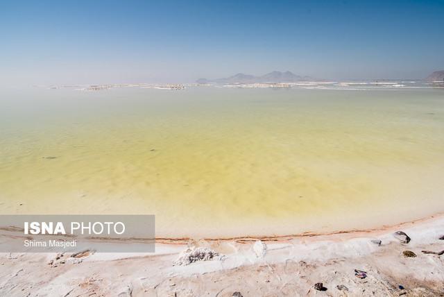 خطر گسترش کانون گرد و غبار در حاشیه دریاچه ارومیه